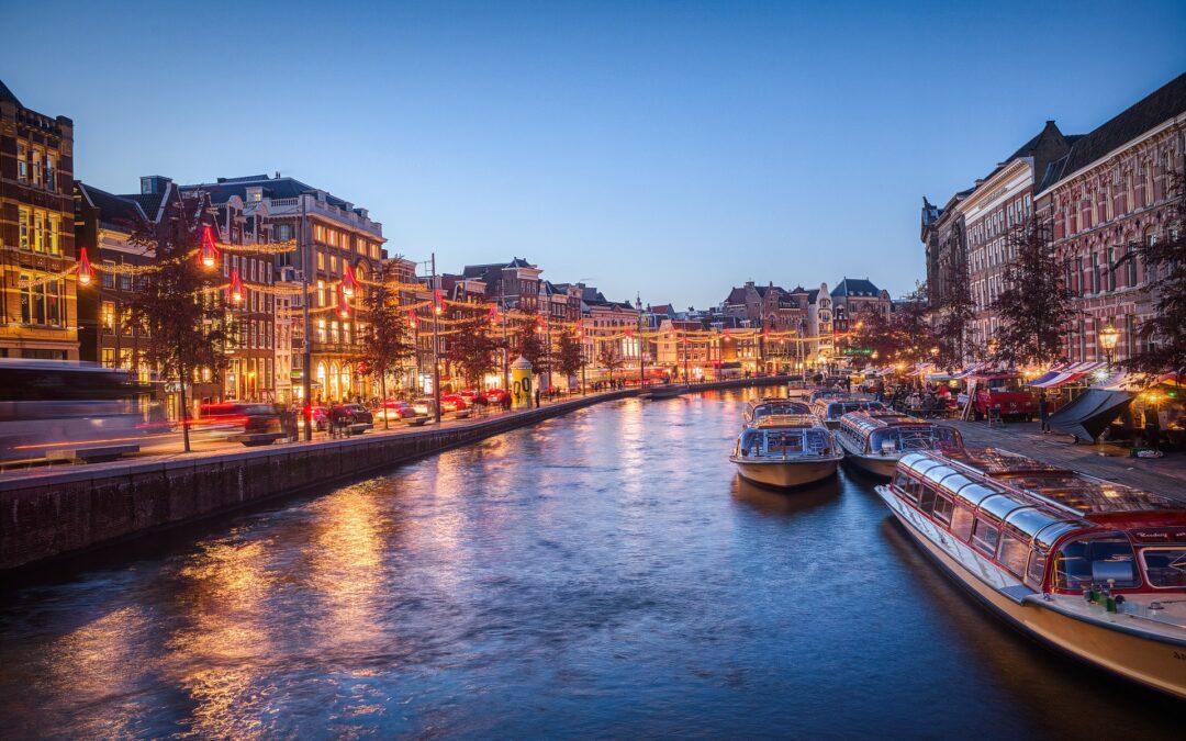 AMSTERDAM, FRANKFURT, LUXEMBURGO Y PARÍS