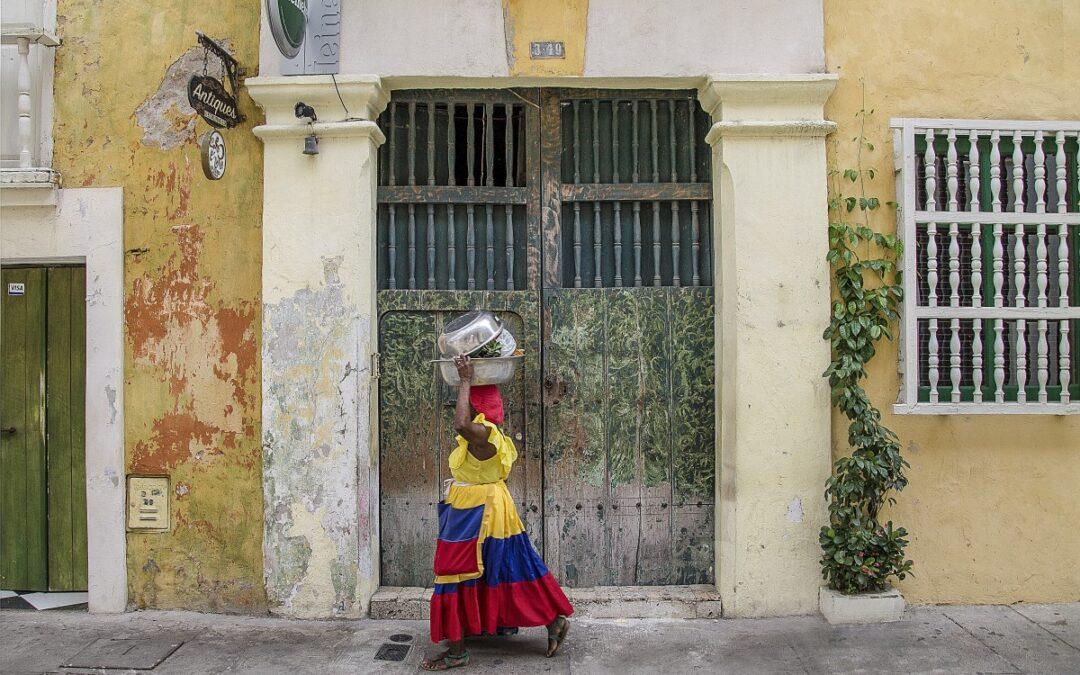 ¿QUIERES VIAJAR? COMIENZA POR COLOMBIA